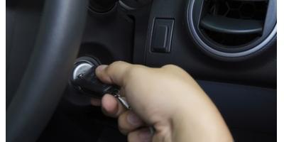 Почему не заводится машина если аккумулятор заряжен